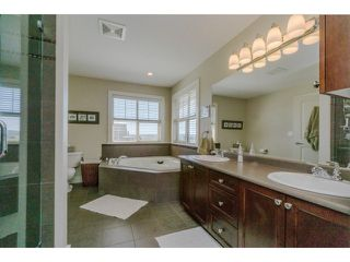 "Photo 14: 5915 164TH Street in Surrey: Cloverdale BC House for sale in ""WEST CLOVERDALE"" (Cloverdale)  : MLS®# F1439520"