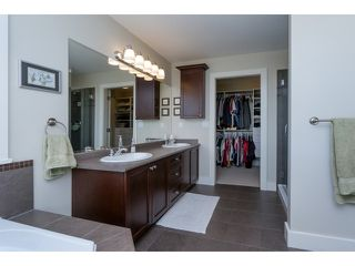 "Photo 15: 5915 164TH Street in Surrey: Cloverdale BC House for sale in ""WEST CLOVERDALE"" (Cloverdale)  : MLS®# F1439520"