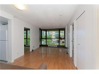 "Photo 5: 203 1367 ALBERNI Street in Vancouver: West End VW Condo for sale in ""THE LIONS"" (Vancouver West)  : MLS®# V1138178"