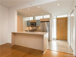 Photo 3: 203 66 Songhees Road in VICTORIA: VW Songhees Condo Apartment for sale (Victoria West)  : MLS®# 365045