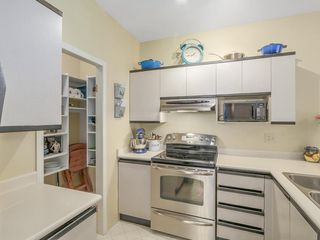 "Photo 5: 207 1924 COMOX Street in Vancouver: West End VW Condo for sale in ""WINDGATE BY THE PARK"" (Vancouver West)  : MLS®# R2109767"