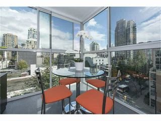 """Photo 1: 602 1323 HOMER Street in Vancouver: Yaletown Condo for sale in """"PACIFIC POINT"""" (Vancouver West)  : MLS®# R2119635"""