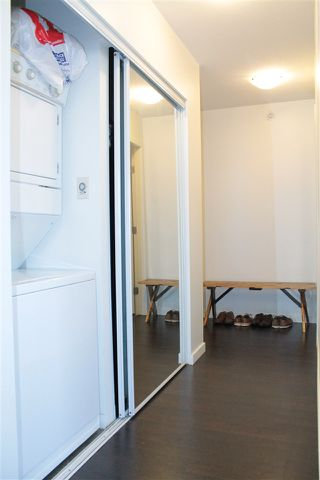 """Photo 10: 2205 668 CITADEL PARADE in Vancouver: Downtown VW Condo for sale in """"SPECTRUM"""" (Vancouver West)  : MLS®# R2128531"""
