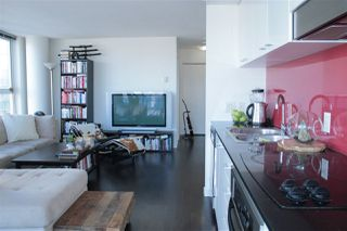 """Photo 5: 2205 668 CITADEL PARADE in Vancouver: Downtown VW Condo for sale in """"SPECTRUM"""" (Vancouver West)  : MLS®# R2128531"""