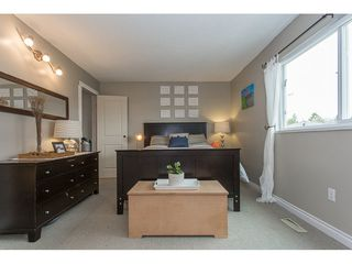 Photo 11: 2345 WAKEFIELD Court in Langley: Willoughby Heights House for sale : MLS®# R2157715