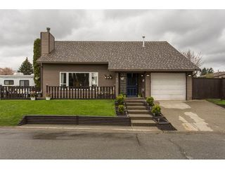 Photo 1: 2345 WAKEFIELD Court in Langley: Willoughby Heights House for sale : MLS®# R2157715