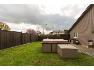 Photo 20: 2345 WAKEFIELD Court in Langley: Willoughby Heights House for sale : MLS®# R2157715