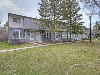 Photo 1: 121 999 CANYON MEADOWS Drive SW in Calgary: Canyon Meadows House for sale : MLS®# C4113761