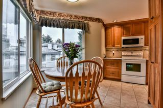 "Photo 9: 54 16061 85 Avenue in Surrey: Fleetwood Tynehead Townhouse for sale in ""Parc Seville"" : MLS®# R2165438"