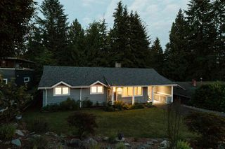 Photo 2: 956 HARTFORD Place in North Vancouver: Windsor Park NV House for sale : MLS®# R2179957
