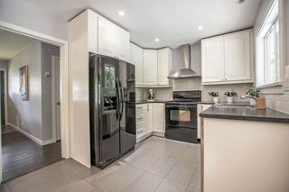 Photo 8: 956 HARTFORD Place in North Vancouver: Windsor Park NV House for sale : MLS®# R2179957