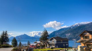 Photo 3: 777 UPPER CRESCENT: Britannia Beach Manufactured Home for sale (Squamish)  : MLS®# R2185994