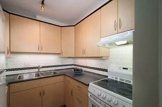 Photo 12: 301 1345 W 15TH Avenue in Vancouver: Fairview VW Condo for sale (Vancouver West)  : MLS®# R2187788