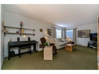 "Photo 7: 303 20460 54 Avenue in Langley: Langley City Condo for sale in ""Wheatcroft Manor"" : MLS®# R2212141"