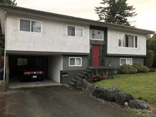 "Photo 1: 32884 BEVAN Avenue in Abbotsford: Central Abbotsford House for sale in ""~Mill Lake~"" : MLS®# R2228988"