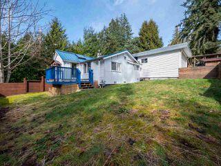 Main Photo: 2652 LOWER Road: Roberts Creek House for sale (Sunshine Coast)  : MLS®# R2247039