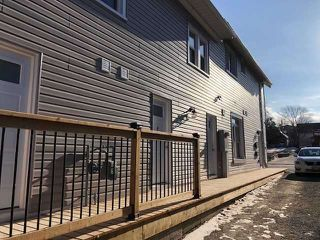 Photo 2: 60 S Front Street: Orillia Property for sale : MLS®# S4070873