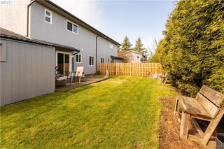 Photo 17: 2315 Muriel Place in SIDNEY: Si Sidney South-East Strata Duplex Unit for sale (Sidney)  : MLS®# 390121