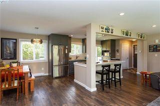 Photo 7: 2315 Muriel Pl in SIDNEY: Si Sidney South-East Half Duplex for sale (Sidney)  : MLS®# 784113