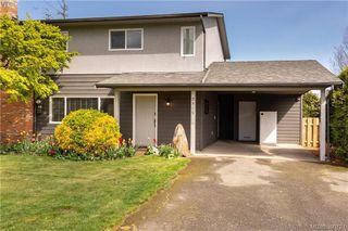 Photo 1: 2315 Muriel Pl in SIDNEY: Si Sidney South-East Half Duplex for sale (Sidney)  : MLS®# 784113