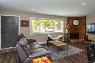 Photo 5: 2315 Muriel Place in SIDNEY: Si Sidney South-East Strata Duplex Unit for sale (Sidney)  : MLS®# 390121