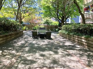 """Photo 13: 19 2130 MARINE Drive in West Vancouver: Dundarave Condo for sale in """"LINCOLN GARDENS"""" : MLS®# R2286092"""