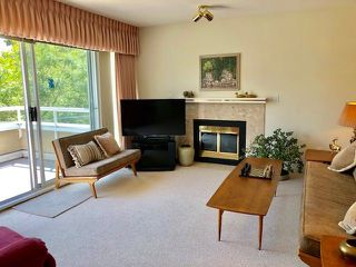 """Photo 3: 19 2130 MARINE Drive in West Vancouver: Dundarave Condo for sale in """"LINCOLN GARDENS"""" : MLS®# R2286092"""