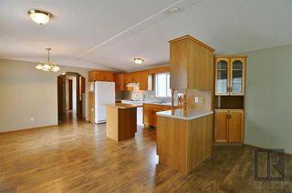 Photo 8: 20 ASPEN ESTATES Road in Steinbach: R16 Residential for sale : MLS®# 1822295
