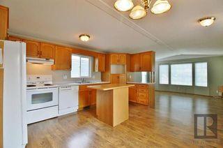 Photo 9: 20 ASPEN ESTATES Road in Steinbach: R16 Residential for sale : MLS®# 1822295