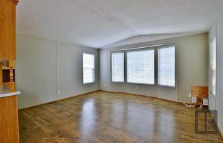 Photo 6: 20 ASPEN ESTATES Road in Steinbach: R16 Residential for sale : MLS®# 1822295