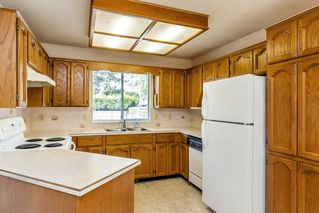 "Photo 7: 13043 SUMMERHILL Crescent in Surrey: Crescent Bch Ocean Pk. House for sale in ""Summerhill Estates"" (South Surrey White Rock)  : MLS®# R2304176"