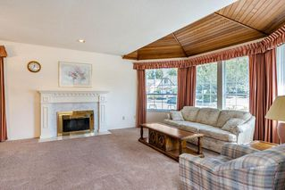 "Photo 2: 13043 SUMMERHILL Crescent in Surrey: Crescent Bch Ocean Pk. House for sale in ""Summerhill Estates"" (South Surrey White Rock)  : MLS®# R2304176"
