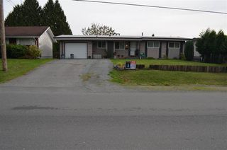 "Photo 2: 2060 BROADWAY Street in Abbotsford: Abbotsford West House for sale in ""Clearbrook"" : MLS®# R2312504"