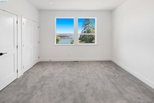 Photo 16: 11370 Wild Rose Lane in NORTH SAANICH: NS Lands End Single Family Detached for sale (North Saanich)  : MLS®# 402092