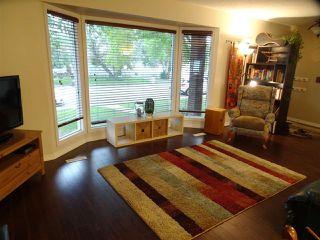Photo 4: 7103 43 Avenue in Edmonton: Zone 29 House for sale : MLS®# E4139946
