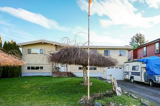 Main Photo: 6688 OXFORD Road in Sardis: Sardis West Vedder Rd House for sale : MLS®# R2333078