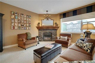Photo 2: 36 ASPEN HILLS Close SW in Calgary: Aspen Woods Detached for sale : MLS®# C4223574