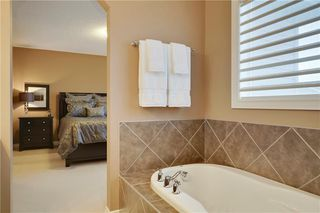 Photo 18: 36 ASPEN HILLS Close SW in Calgary: Aspen Woods Detached for sale : MLS®# C4223574