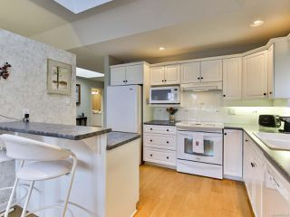 Photo 6: 30 529 Johnstone Rd in FRENCH CREEK: PQ French Creek Row/Townhouse for sale (Parksville/Qualicum)  : MLS®# 805223
