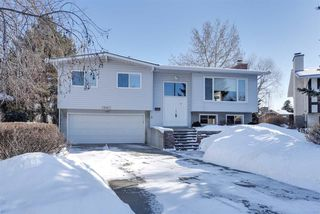 Photo 1: 18611 68 Avenue in Edmonton: Zone 20 House for sale : MLS®# E4145806