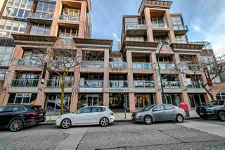 "Photo 1: 303 1529 W 6TH Avenue in Vancouver: False Creek Condo for sale in ""SOUTH GRANVILLE LOFTS"" (Vancouver West)  : MLS®# R2349958"