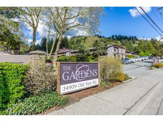 Photo 4: 126 34909 OLD YALE Road in Abbotsford: Abbotsford East Townhouse for sale : MLS®# R2360651