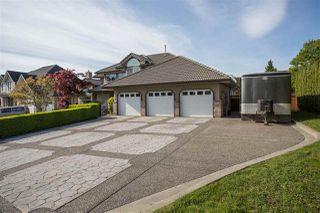 Photo 3: 6579 CLAYTONHILL Place in Surrey: Cloverdale BC House for sale (Cloverdale)  : MLS®# R2365404