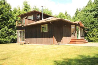 Photo 2: 4605 SIMPKINS Road in Sechelt: Sechelt District House for sale (Sunshine Coast)  : MLS®# R2378339