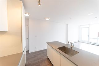 """Photo 7: 3107 1283 HOWE Street in Vancouver: Downtown VW Condo for sale in """"Tate Downtown"""" (Vancouver West)  : MLS®# R2383632"""