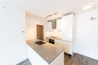 """Photo 4: 3107 1283 HOWE Street in Vancouver: Downtown VW Condo for sale in """"Tate Downtown"""" (Vancouver West)  : MLS®# R2383632"""