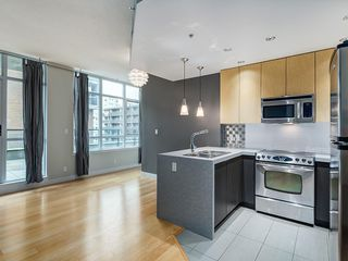 Photo 10: 401 788 12 Avenue SW in Calgary: Beltline Apartment for sale : MLS®# C4256922