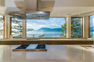 Photo 1: 8540 CITRUS Wynd in West Vancouver: Howe Sound House for sale : MLS®# R2398334