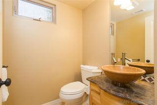 Photo 10: MISSION BEACH Condo for sale : 2 bedrooms : 752 Devon Ct in San Diego