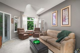 """Photo 16: 506 2800 CHESTERFIELD Avenue in North Vancouver: Upper Lonsdale Condo for sale in """"Somerset Garden"""" : MLS®# R2472780"""